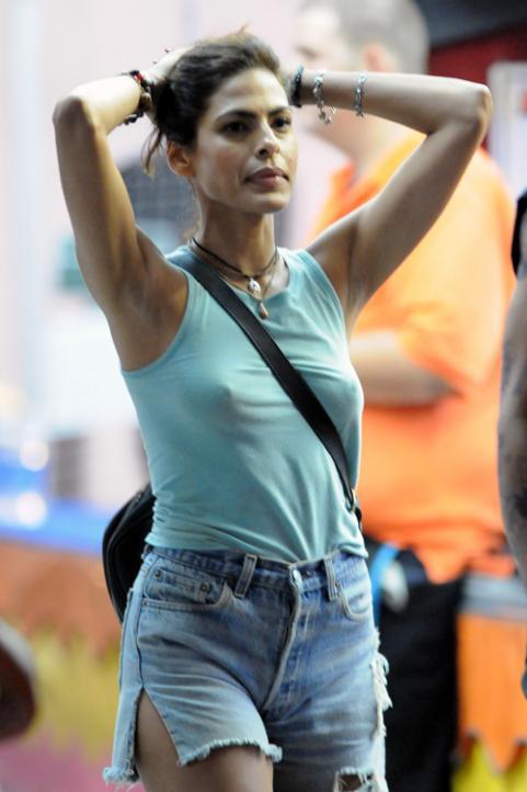 Eva Mendes | Mr. Blog's Tepid Ride